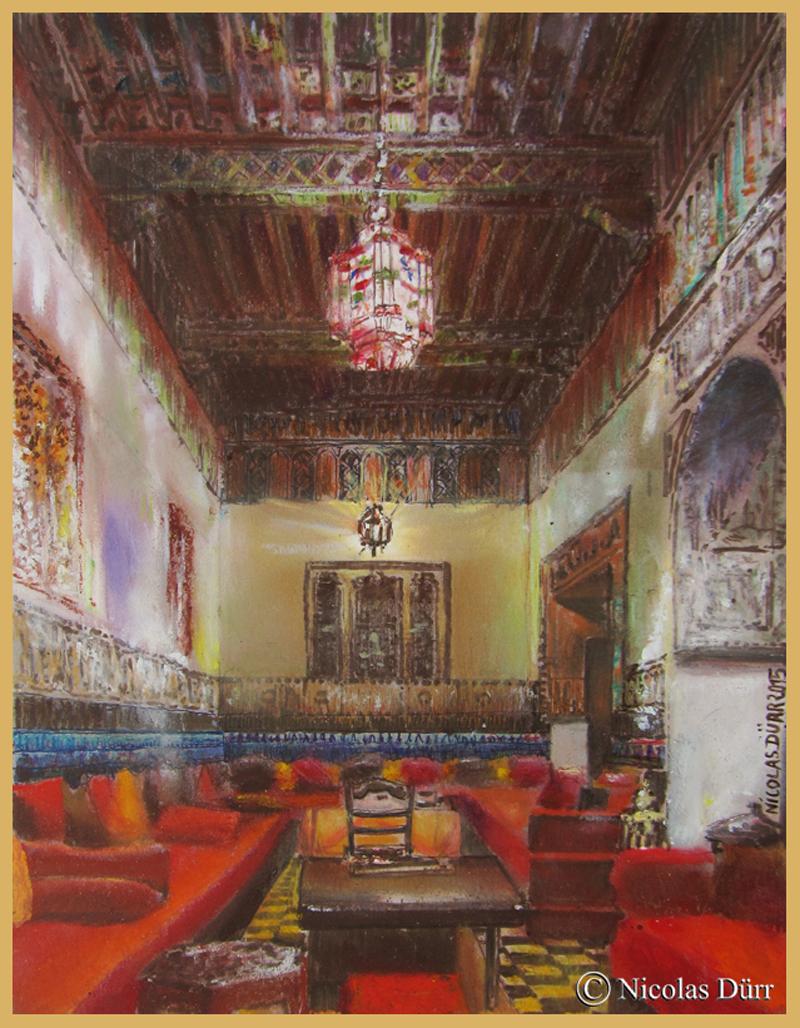 Salle à manger richement décorée (stucs ciselés, bois sculpté, faïences, sans oublier l'ameublement) grâce à une restauration entreprise par les propriétaires et Lucile en particulier. Pastel gras.